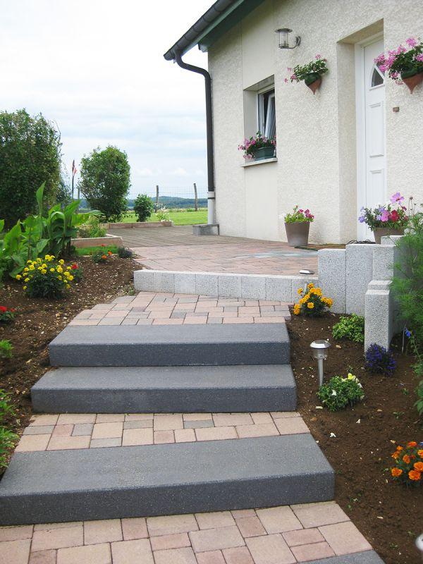 Ma onnerie de jardin dans le doubs duchesne jardins for Bloc marche escalier